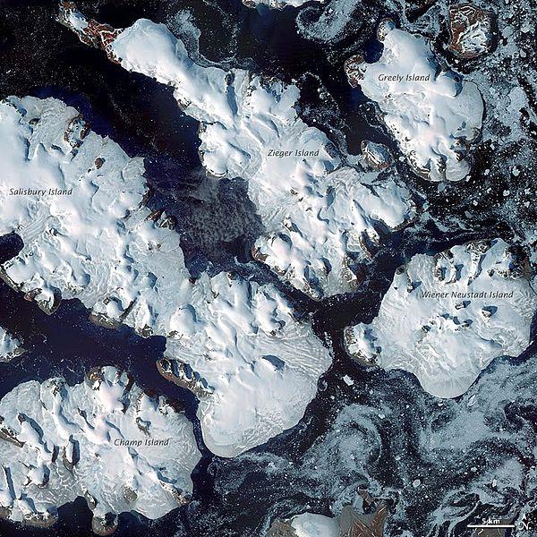 600px-Frozen_Franz_Josef_Land_-_NASA_Earth_Observatory